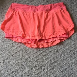 Lululemon skirt size 8